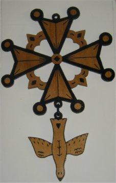 Pendentif croix huguenote bois